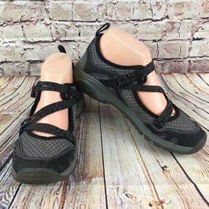 Chaco Outcross Evo Mary Jane Hiking Shoe Gray Sz 9